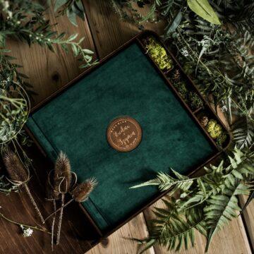 Pudełko książka na fotoalbum 30x30cm i pendrive