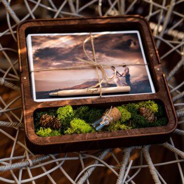 Pudełko Wehikuł Czasu na zdjęcia 15x23 i pendrive